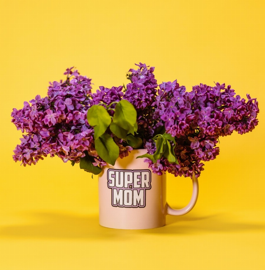 Greeting e-card Mother's day Super mom's cup with flowers