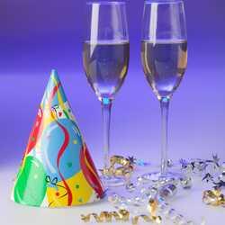 greeting e-card Celebrating New Year - champagne glasses