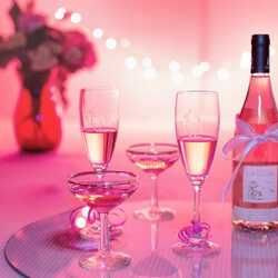 greeting e-card Pink champagne with glasses
