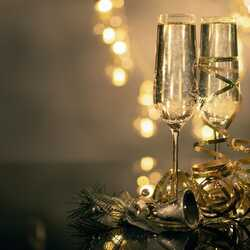 greeting e-card Champagne glasses New Year's Eve