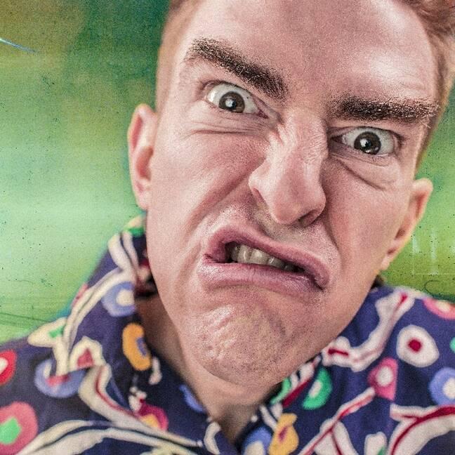 Dusmīga persona ar dusmīgām acīm e-kartiņa
