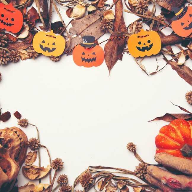 Halloween tēma, galvas kauss un dekors e-kartiņa