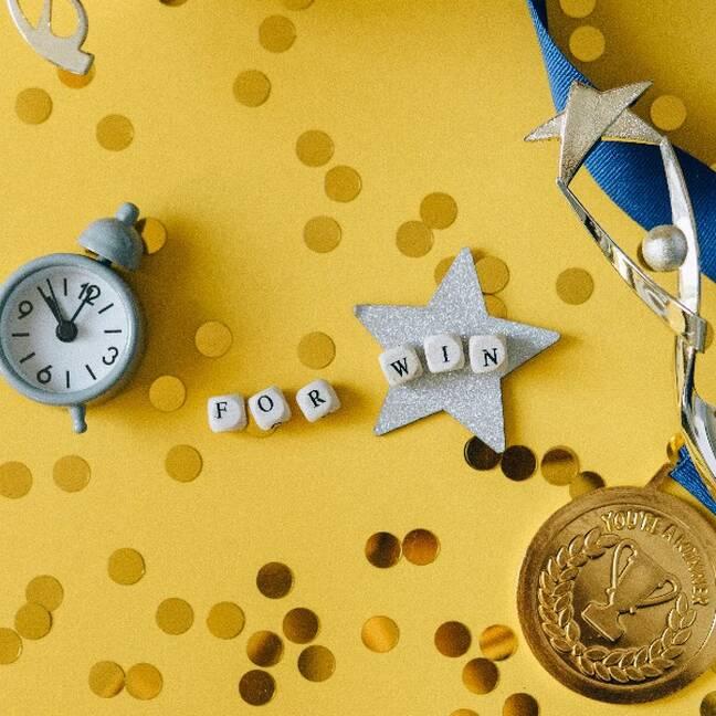Kolāža par uzvaru ar zelta medaļu e-kartiņa