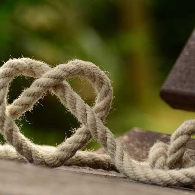 Rope in heart shape e-card